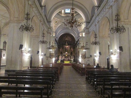 Catedral Matriz: Estilo neoclássico e de uma beleza estonteante.