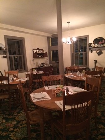 National House Inn: Pretty Dining Room