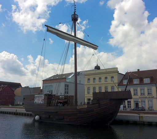 Ueckermunde, Tyskland: Ucra. Die Pommernkogge im Hafen Ueckermünde