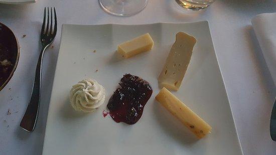 Corenc, Francja: L'assiette de fromages de la région
