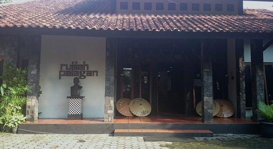 Rumah Palagan Yogyakarta : Front look