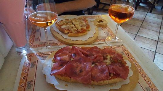 Arquà Petrarca, Italien: Bruschette buonissime