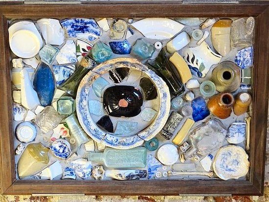 Mount Pleasant, Carolina Selatan: art from excavation finds