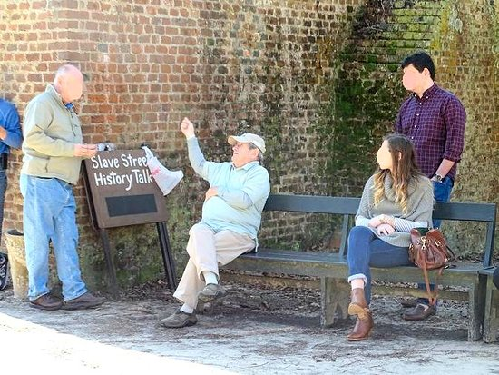 Mount Pleasant, Carolina del Sur: slave street history talk - the man was amazing
