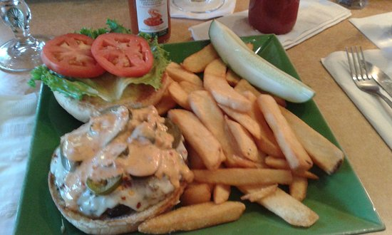 Windsor, CT: Visit: 23July2016- Lunch! (New Firehouse Burger)