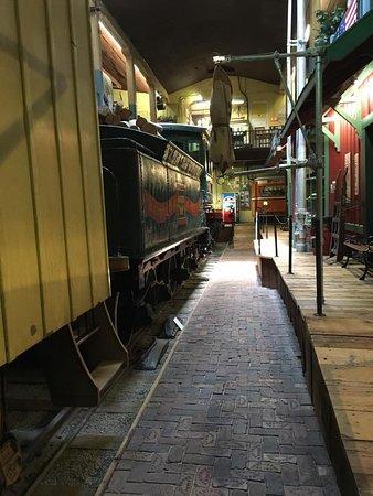 Saint Joseph, MO: Train