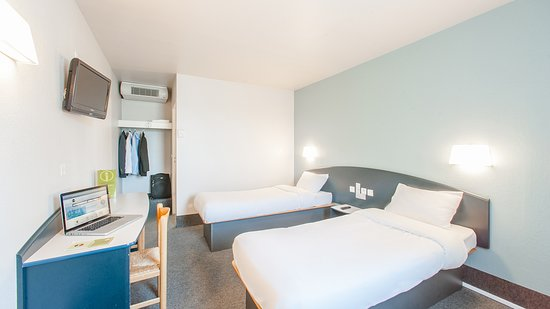b b hotel saclay gif sur yvette tripadvisor. Black Bedroom Furniture Sets. Home Design Ideas