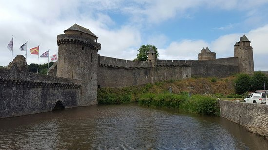 Fougères, France : 20160725_114445_large.jpg
