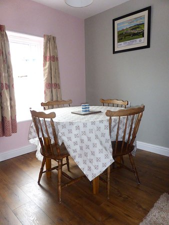 School House Kendal Holiday Lets: Dining