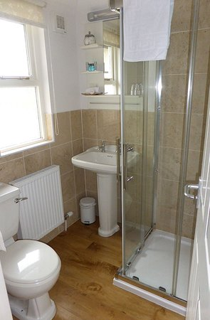 School House Kendal Holiday Lets: Ensuite