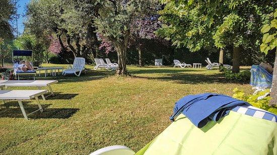 Terme Milano Hotel: giardino esterno