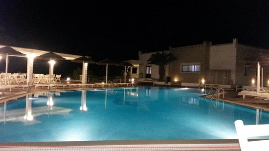 Agios Prokopios, Grækenland: Piscina grande di notte