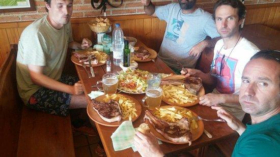 Hoyos del Espino, Espanha: IMG-20160722-WA0012_large.jpg