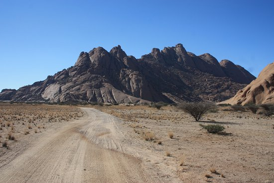 วอลวิสเบย์, นามิเบีย: Spitzkoppe mountains - we offer day tours to this breathtaking landscape that will leave you in