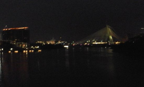 Puente Putrajaya: Beautiful bridge