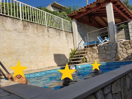 Lozica, Croazia: Pool Happiness