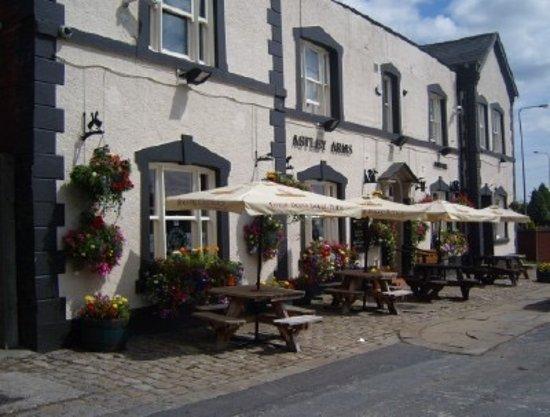 Dukinfield, UK : Astley Arms Top