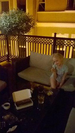 Meroddi Pera Hotel: Терраса в номере на 4 этаже
