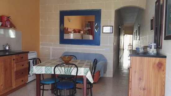Lantern Guest House - BAHIM hotel: common area kitchen\dining
