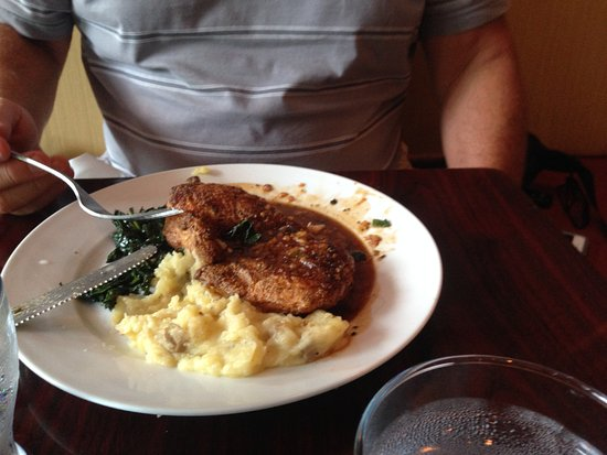 Weaverville, Caroline du Nord : Tuscan Chicken, Mashed Potatoes, and Sauteed Spinach