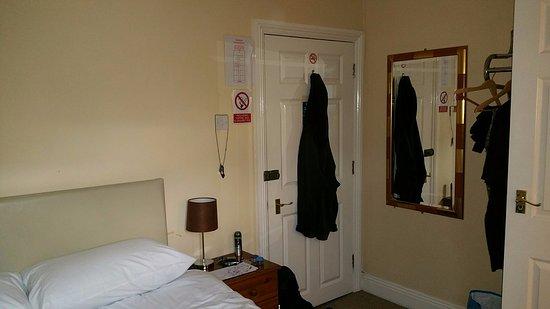 Brookwood, UK: Room 14