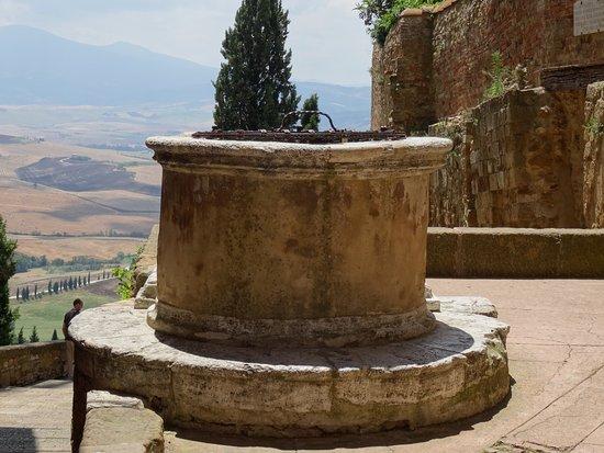 Pienza, إيطاليا: aljibe
