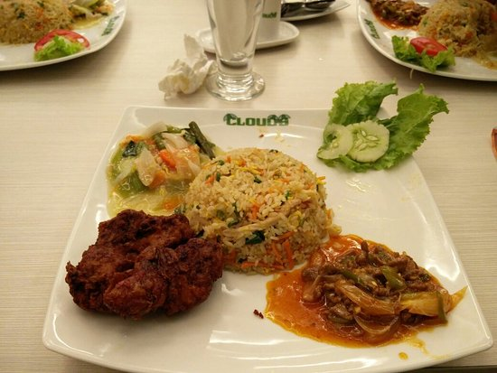 looking for a lunch buddy in dhaka