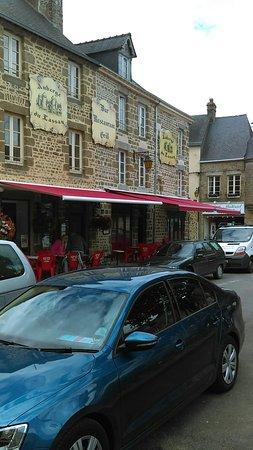 Lassay-les-Chateaux, Francja: IMAG0042_large.jpg