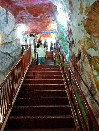 World's Largest Dinosaur: Staircase inside the Dinosaur to climb 2