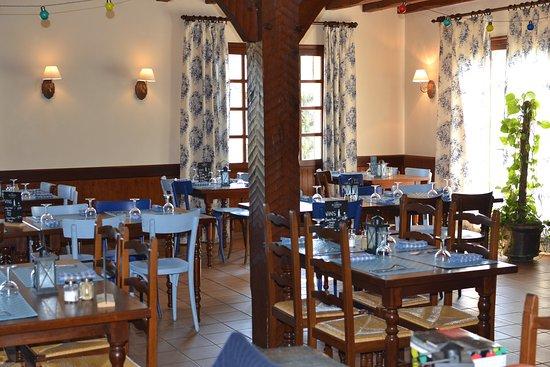 Tosse, Francja: Intérieur salle restaurant
