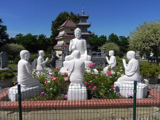 Noyant-d'Allier, Γαλλία: parc de la pagode