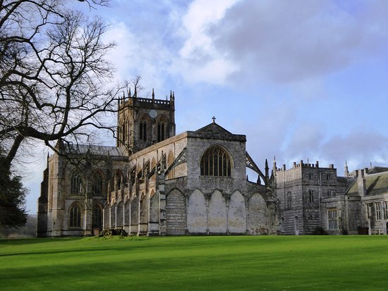 Milton Abbas, UK : Beautiful Milton Abbey set in grounds designed by Capability Broem