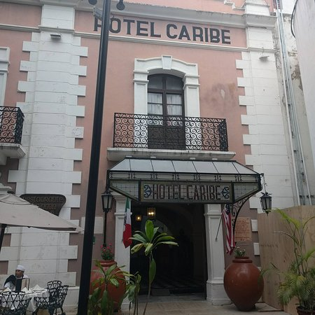 Caribe Hotel: Fachada