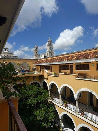 Caribe Hotel: Alberca y vista de la Catedral