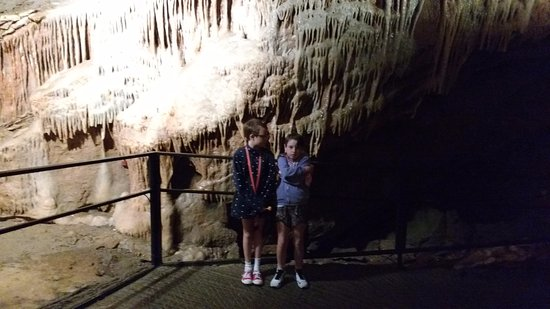 Cheddar, UK: Kids in a cave