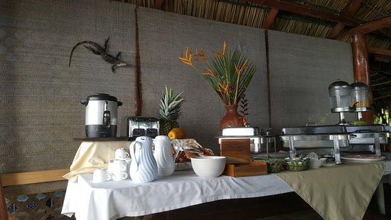 Karahe Beach Hotel: Included breakfast