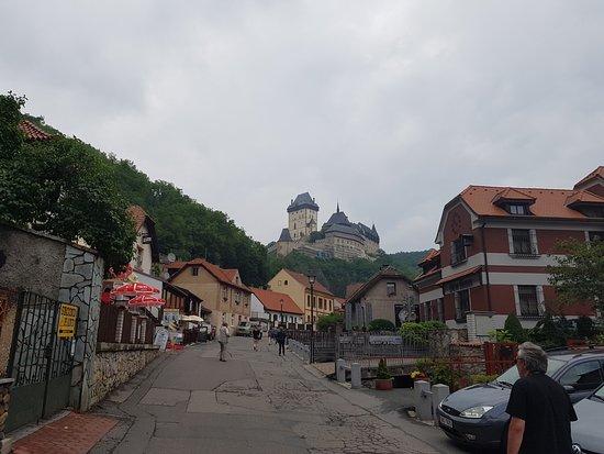 Karlstejn, República Checa: Cesta na hrad
