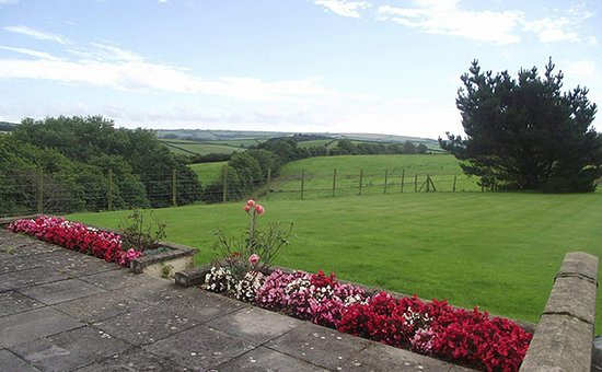 Harberton, UK: getlstd_property_photo