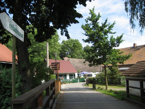 Hotelanlage Starick: Vejen ned til Lehde fra hotel