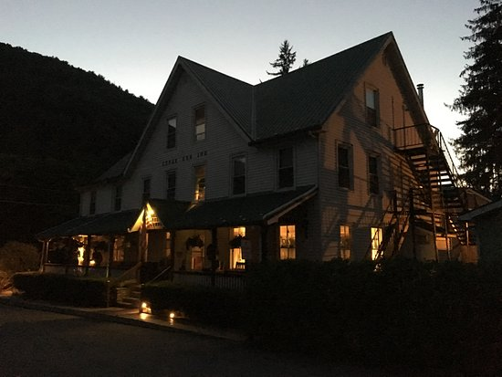 The Cedar Run Inn in the evening.