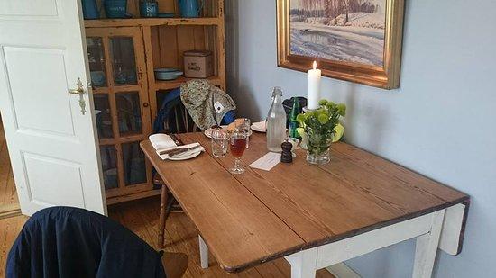Sakskoebing, Dinamarca: Hyggelige stuer hvor man spiste på kroen