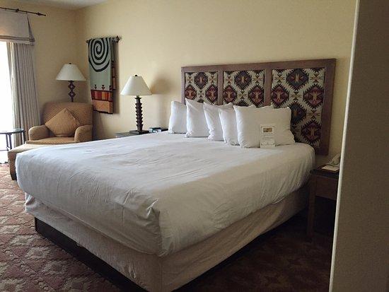 Santa Ana Pueblo, NM: King bed plus comfy chair