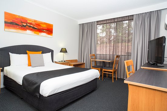 Alpha Hotel Canberra