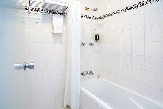Tuggeranong, أستراليا: Bathroom