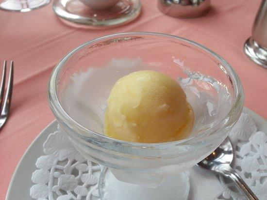 Sainte Agathe des Monts, Kanada: Lemon and vodka sorbet as a palette refresher