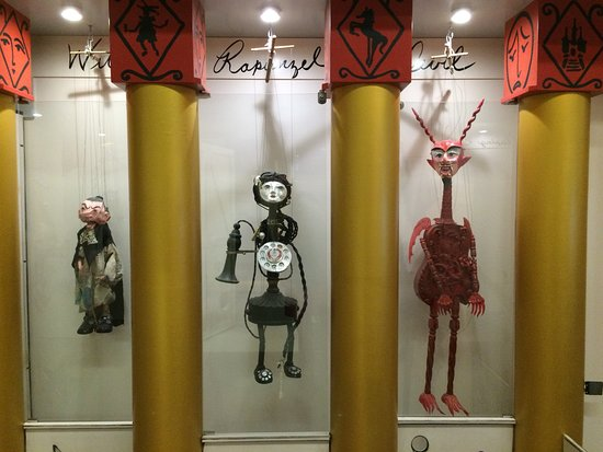 Davie, FL: Puppets by Pablo Cano