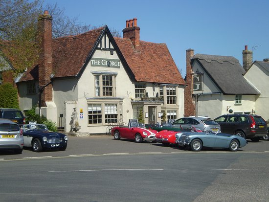 Cavendish, UK : Sports car fans stop for lunch