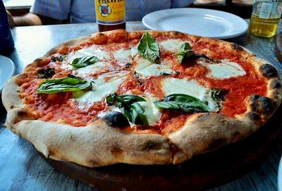 Osteria 10 : Pizza margeritta