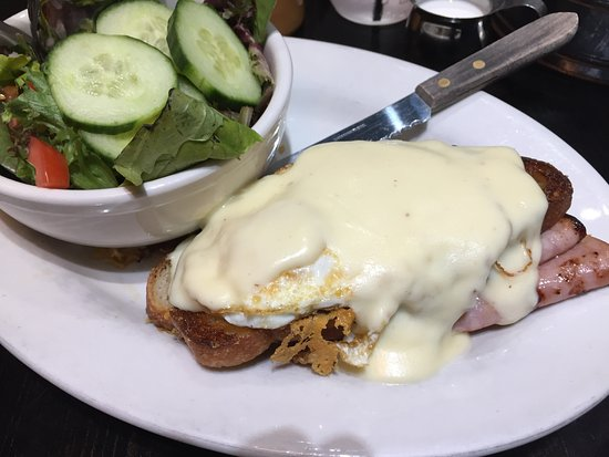 Morristown, Nueva Jersey: Croque Madame w/ side salad