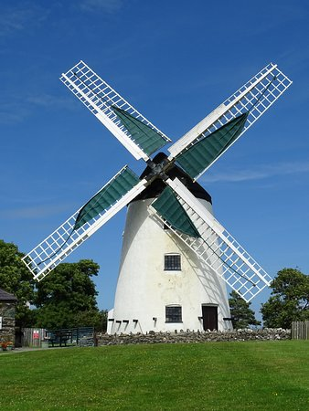 Llanddeusant, UK: The flour mill